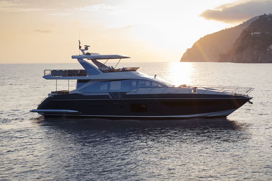 new boat Azimut / Flybridge / 72_image